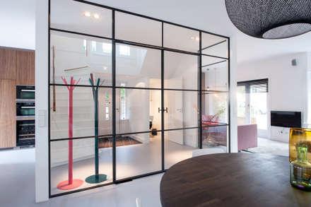 Hành lang by StrandNL architectuur en interieur