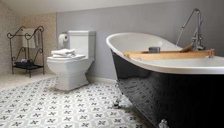 Baños de estilo rural por Borkenhagen Interior&Design