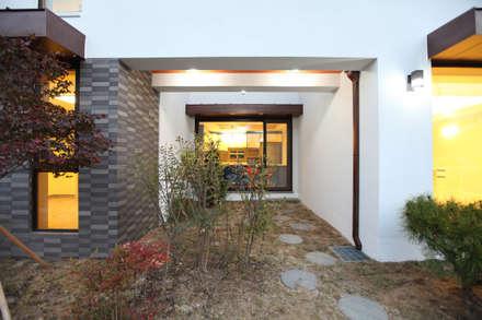 하남주택의 쌈지마당: 주택설계전문 디자인그룹 홈스타일토토의  정원