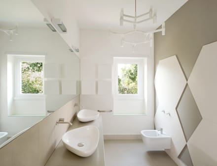 bagno padronale: Bagno in stile in stile Minimalista di stefania eugeni