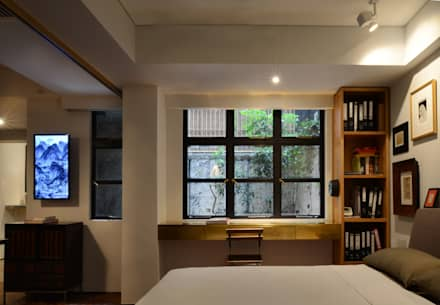 Leong Fee Terrace: Finestre in stile  di Stefano Tordiglione Design Ltd