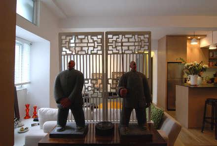 Rednaxela Residential Project: Ingresso & Corridoio in stile  di Stefano Tordiglione Design Ltd