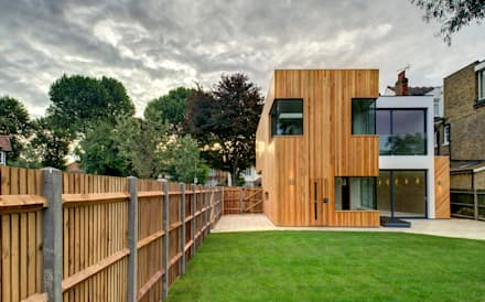 Rear : modern Houses by MZO TARR Architects