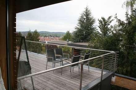 S.line wohnen bei Stuttgart:  Terrasse von böser architektur