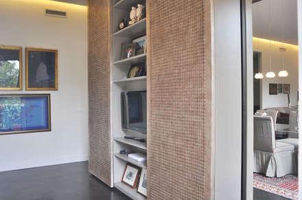 ORTOBOTANICO: Studio in stile in stile Asiatico di NeAr New Architecture