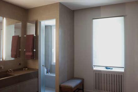 ORTOBOTANICO: Spogliatoio in stile  di NeAr New Architecture