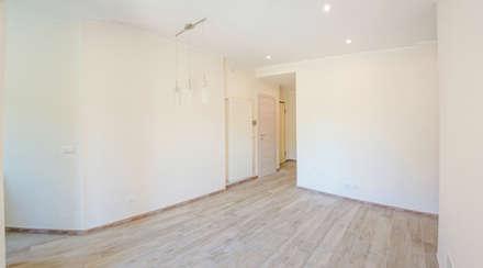 Appartamento Al Mare - Andora: Ingresso & Corridoio in stile  di Architetti di Casa