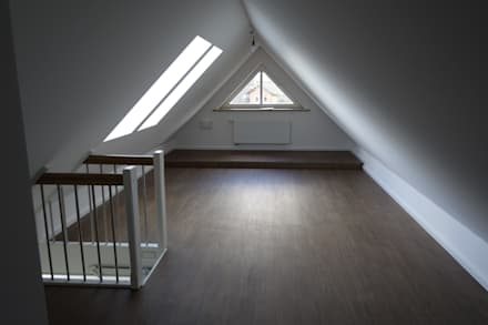 Sanierung zweier, aneinandergereihter Einfamilienhäuser in Lübeck, Krummesse: moderne Kinderzimmer von Architekturbüro Wolfgang Kriese