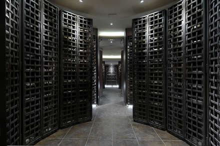 Bodega en Edificio Plurifamiliar: Bodegas de estilo mediterráneo de jecasar