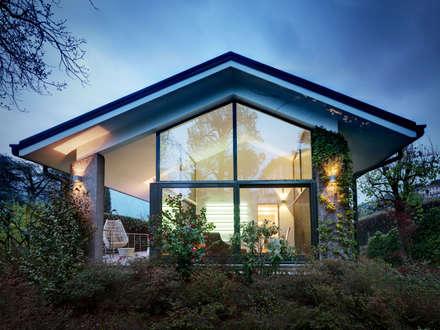 Villa sul lago di Como: Case in stile in stile Moderno di Studio Marco Piva