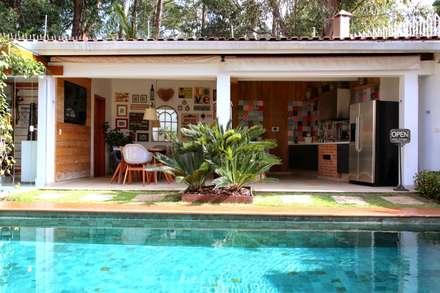 สระว่ายน้ำ by MeyerCortez arquitetura & design