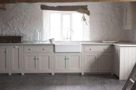 The Cotes Mill Shaker Kitchen : rustic Kitchen by deVOL Kitchens