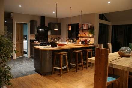 Reclaimed Boat Wood Breakfast Bar Stools: rustic Kitchen by BluBambu Living