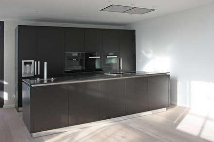 Küche: moderne Küche von Tim Diekhans Architektur