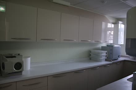 Leighton House Dental Practice:  Clinics by Roberts 21st Century Design