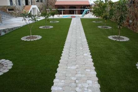 Instalación Césped Artificial Las Palmas de Gran Canaria: Jardines de estilo industrial de Ceramistas s.a.u.