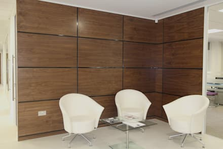 Walnut Artizo Wall Panels With Black Gloss Moulding: modern Study/office by The Wall Panelling Company