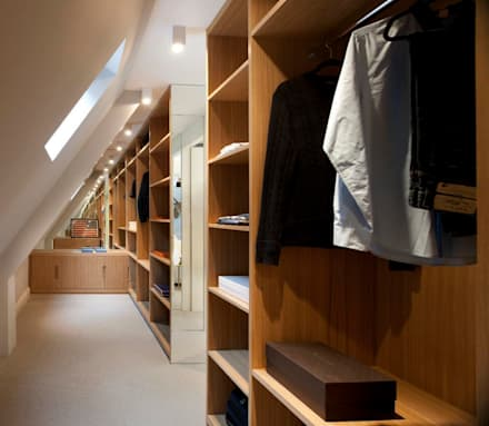 Dressing Room: modern Dressing room by TG Studio