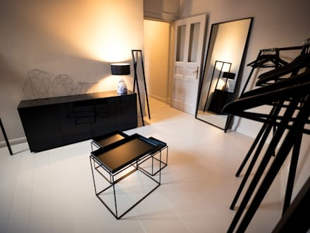 Maison // Ankleide: minimalistische Ankleidezimmer von Gleba + Störmer
