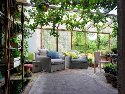 MILOS Sessel - SENDAI CRYSTAL  Bücherregal :  Terrasse von HORM.IT