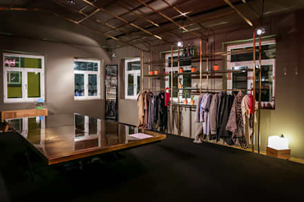 Store design by REPA for EUREKA SHOES LAB: Espaços comerciais  por REPA