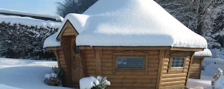 Lots of snow! The perfect weather for a barbecue or just light the fire and relax. : scandinavian Garden by Arctic Cabins