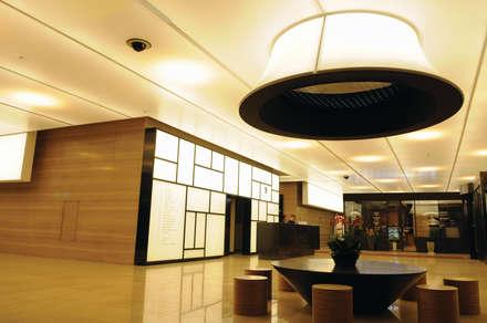 임광빌딩 & 아케이드_2012: Eon SLD의  상업 공간