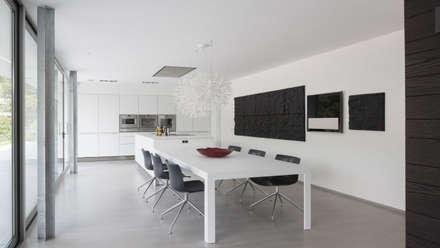 Eigentijdse bungalow: moderne Keuken door Lab32 architecten