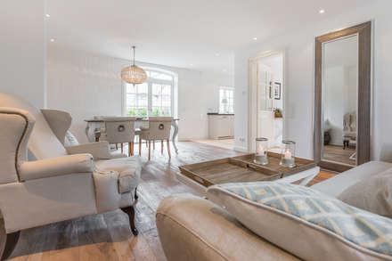 Home Staging Reetdachhaus Auf Sylt: Landhausstil Wohnzimmer Von  Immofoto Sylt