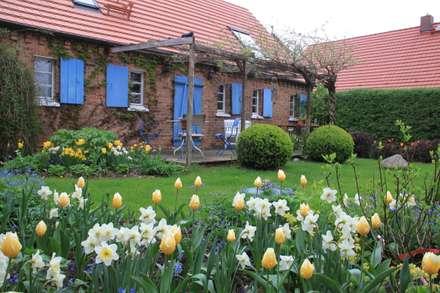 Gartengestaltung ideen und bilder homify for Gartengestaltung landhausstil