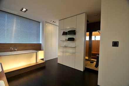 Landhaus Bonstetten: landhausstil Badezimmer von kunz architekten