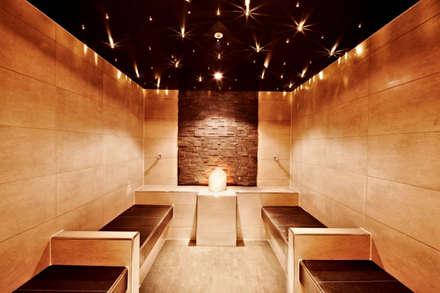 Aromadampfbad: minimalistisches Spa von Eberl GmbH