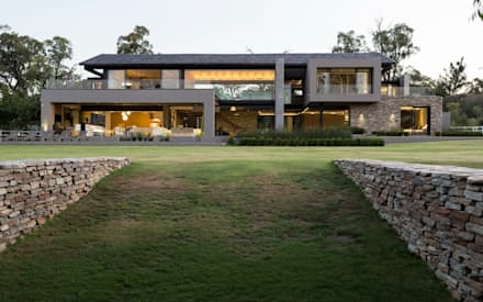 Lovely House In Blair Atholl: Modern Houses By Nico Van Der Meulen Architects