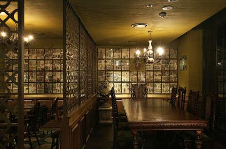 DISTRICT_Prost(Pub&Grill): CHIHO&PARTNERS의  바 & 카페