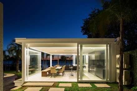 Quiosque Ilha dos Marinheiros: Casas modernas por Kali Arquitetura