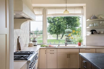 River Ranch Residence: country Kitchen by Hugh Jefferson Randolph Architects