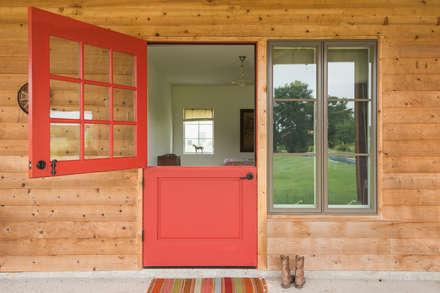 River Ranch Residence:  Windows  by Hugh Jefferson Randolph Architects