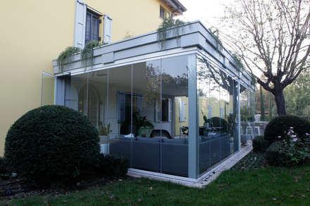 Un'idea moderna per uno spazio outdoor: Giardino d'inverno in stile in stile Moderno di Odue Modena - Concept Store