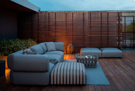 Mobiliario de jardines y exteriores: Jardines de estilo clásico de Muebles caparros