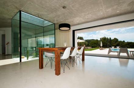 Can Pep de Sa Guaita: Jardines de invierno de estilo moderno de Ivan Torres Architects