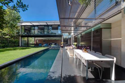 minimalistic Pool by grupoarquitectura