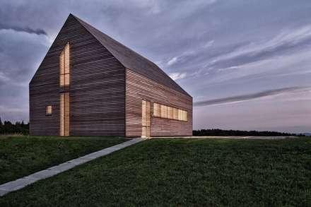 Maison bois: Maisons de style de style Moderne par Archiconfort