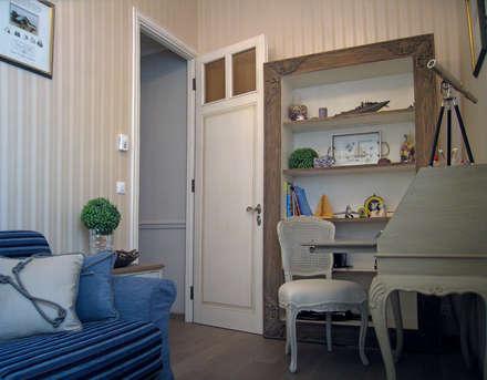 NG-Studio. Interior design of childroom in Beaulieu-sur-Mer.: Stanza dei bambini in stile in stile Classico di NG-STUDIO Interior Design