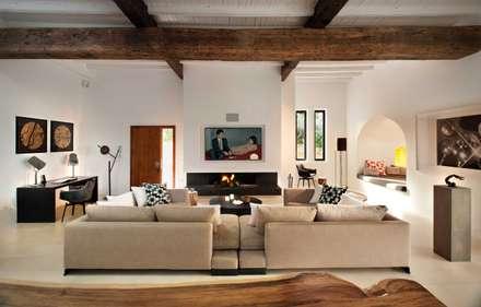 Living Room: mediterranean Living room by TG Studio