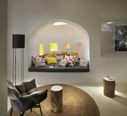 Ibiza House : mediterranean Living room by TG Studio