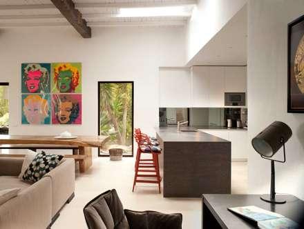 Kitchen: mediterranean Kitchen by TG Studio