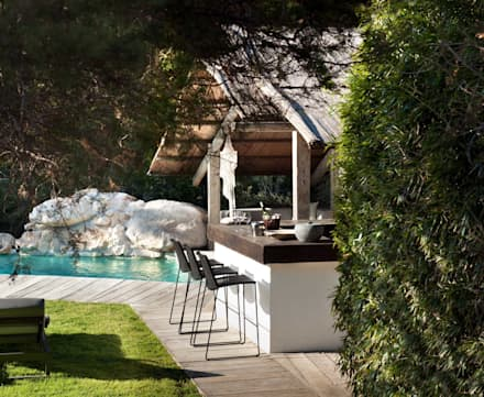 Pool House : mediterranean Pool by TG Studio