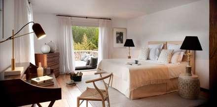 Bedroom 3: mediterranean Bedroom by TG Studio