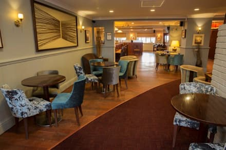 The Crown Lodge Hotel at Outwell:  Hotels by KAS Interior Design