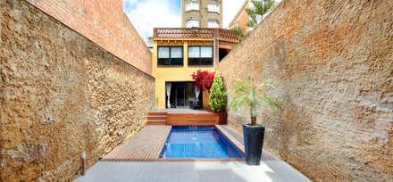 Casa CC: Jardines de estilo minimalista de costa+dos